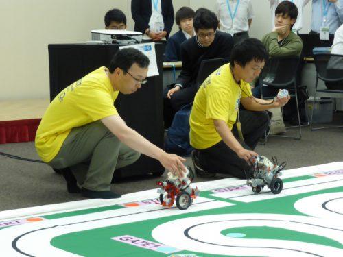 写真: 関西知育実行委員による爆速!?かっ飛び!レジェンドデモ走行のスタート